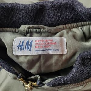 H&M Jackets & Coats - 💥Just In💥 H&M Jacket US size 4-5Y